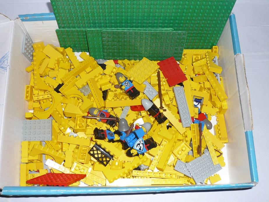 lego ritterburg castle 375 gelbe burg mit bauanleitung von. Black Bedroom Furniture Sets. Home Design Ideas