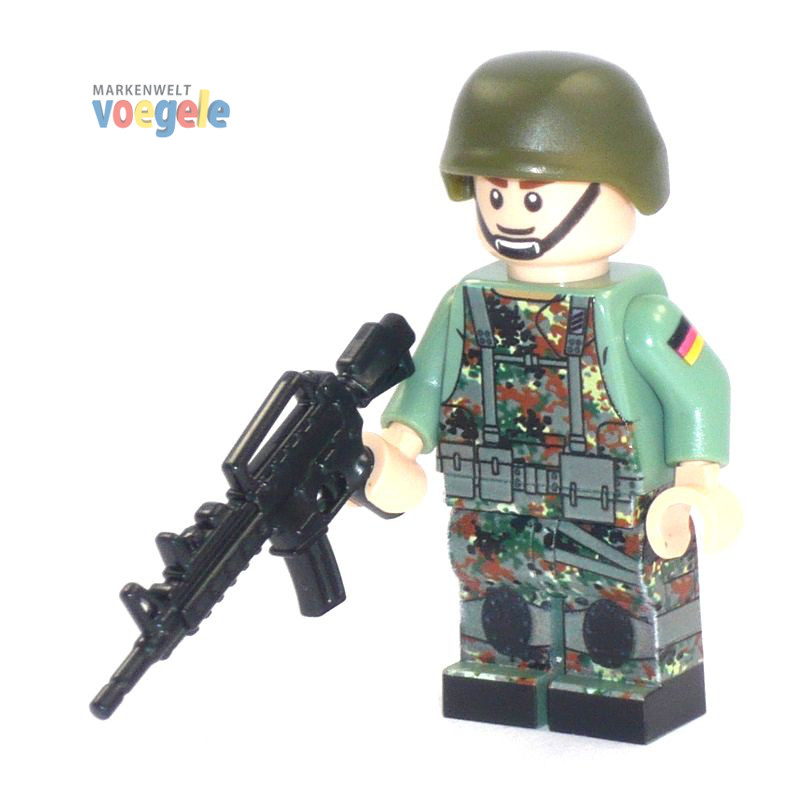 2d4c05779130 Custom Figure German Bundeswehr Soldier with Gun made of LEGO bricks -  Markenwelt Voegele